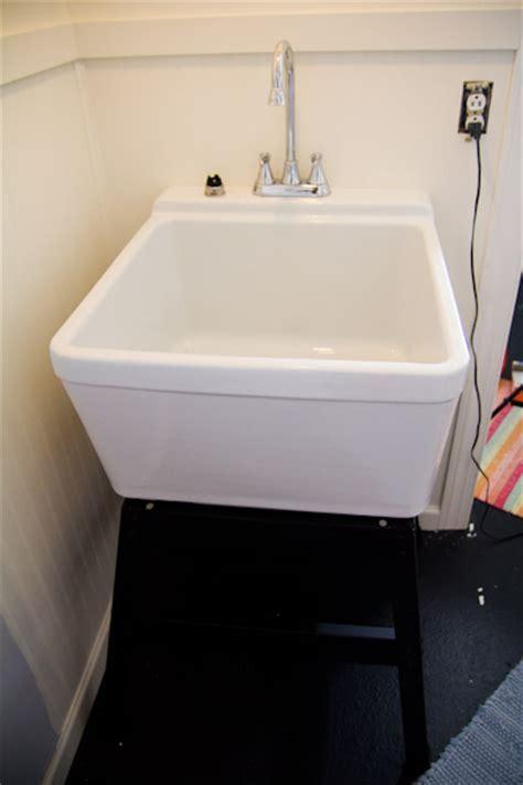 Mustee 28F Bigtub Utilatub Laundry Tub Floor Mount 24 Inch