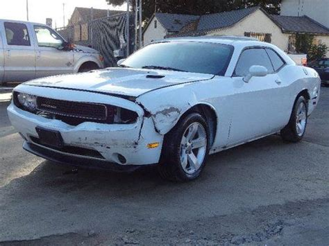 Buy Used 2011 Dodge Challenger Se Damaged Repairable Runs
