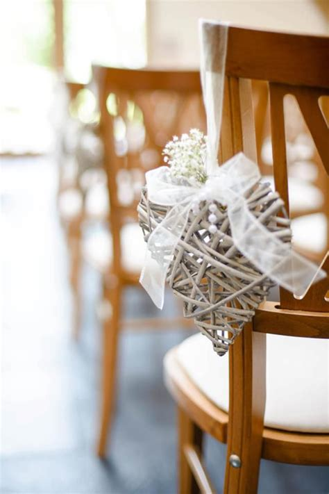 wedding decor 10 of the prettiest pew ends