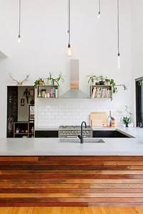 une cuisine deco bois avec du carrelage metro en credence With cuisine avec carrelage metro