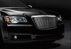 2011 Chrysler 300 Gets First Accessories From Mopar