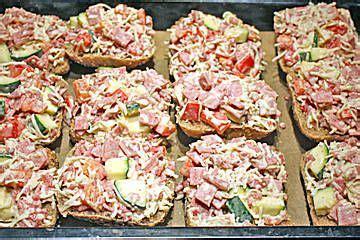 Superschnelle Pizzabrötchen  Favorite  Pinterest Pizza