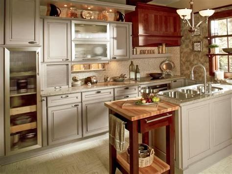 color of kitchen cabinets 190 best two toned kitchens images on 5546