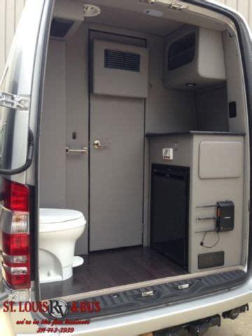 mercedes sprinter  daycruiser bathroom