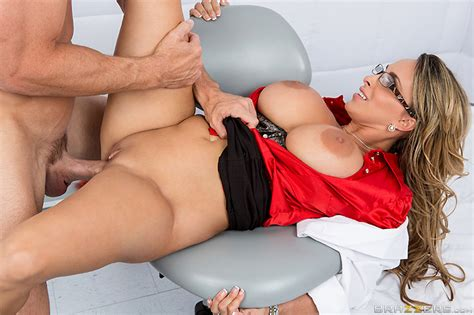 Jailhouse Fuck With Holly Halston Brazzers Official