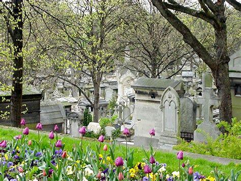 pere la chaise oscar wilde 39 s at père lachaise cemetery