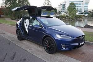 Tesla Modele X : 2017 tesla model x p100d review behind the wheel ~ Melissatoandfro.com Idées de Décoration