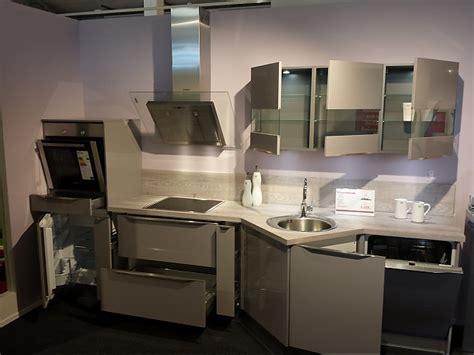 Nobilia-musterküche Hochglanz Küche Mit Modernen