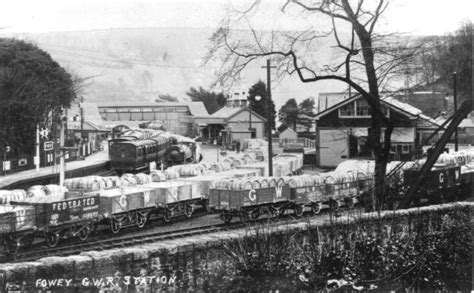 fowey railway station wikipedia