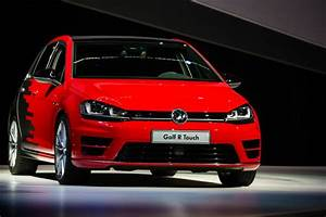 Golf R Touch : volkswagen demonstrates tech for smartphone lovers and ~ Medecine-chirurgie-esthetiques.com Avis de Voitures