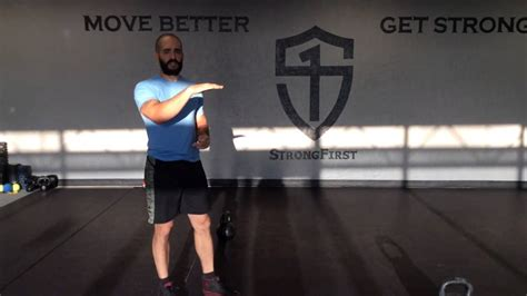 american kettlebell swing differences between russian and american kettlebell swing