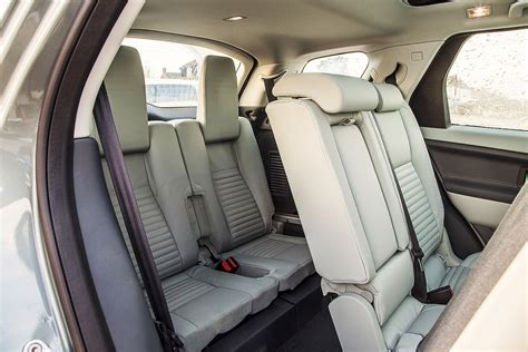 does a jeep grand cherokee have 3rd row seating