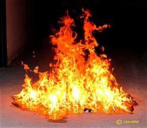 brandbeschleuniger brand feuerde