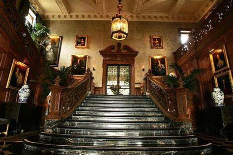 Greystone Mansion   Hotel California Tours