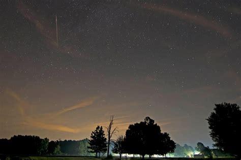 Perseid Meteorite Shower by Moonless Nights For Perseid Meteors Astronomy Essentials