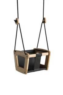si鑒e balancoire 17 meilleures idées à propos de balançoire en bois sur décor urbain et balançoire de jardin