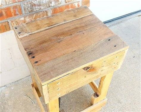 Diy Wood Pallet Side Table Cheap Diy Wedding Favors Monopoly Game Board Archery Target Carpet Outdoor Cat Shelters V Day Gift Ideas For Him Concrete Fence Panels Post And Beam Home Kits Teeth Whitener Safe