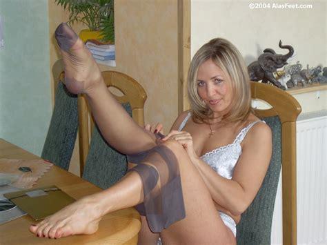 Free Porn Pics Of Ala Nylons 4 Feet 4 Of 80 Pics