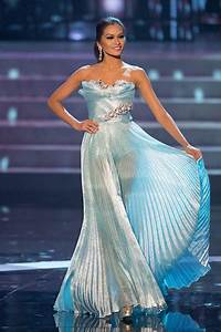 SASHES AND TIARAS.....Best Pageant Gowns of 2012 | Nick ...