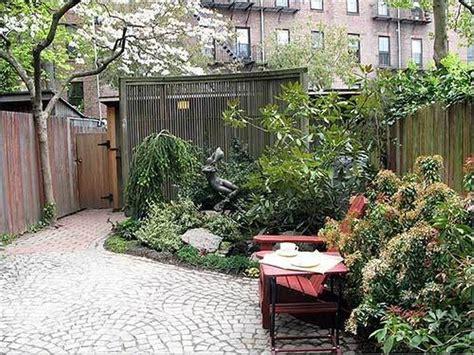 small courtyards courtyard garden design  modern home