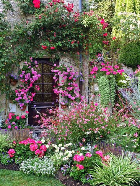 steps  creating  quaint english garden