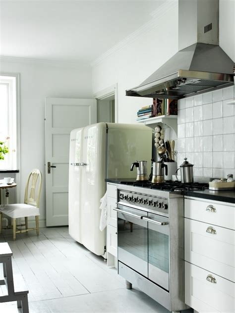 smeg kitchen designs 38 best images about smeg ovens and cookers on 2384