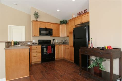 wood kitchen floors i want hardwood floors but light cabinets it 6466