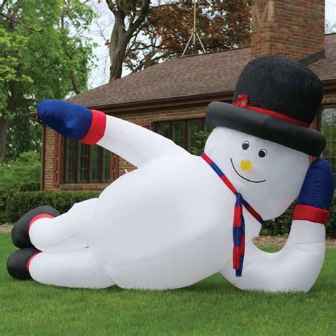 big gay inflatable snowman dudeiwantthatcom