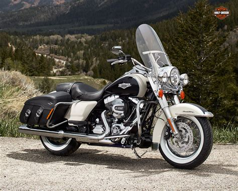 Modification Harley Davidson Road King by Harley Davidson Touring Road King Classic Review And Photos