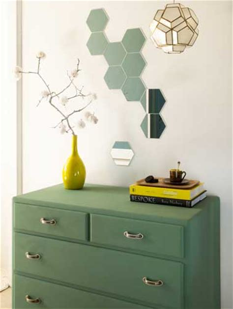 comment peindre une cuisine en bois faire une déco murale tendance avec des petits miroirs