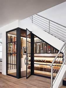 L Escalier Grenoble : am nagement une cave vin sous l 39 escalier deco bodegas de vino almacenamiento de vino et ~ Dode.kayakingforconservation.com Idées de Décoration