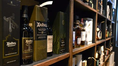 melbournes  whisky bars  opening  epic