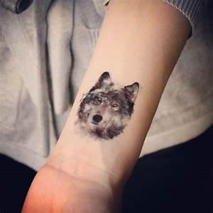 Loup Tatouage Signification : tatouages temporaires loup et tigre tatouages pinterest tatouage loup tatouage et ~ Dallasstarsshop.com Idées de Décoration