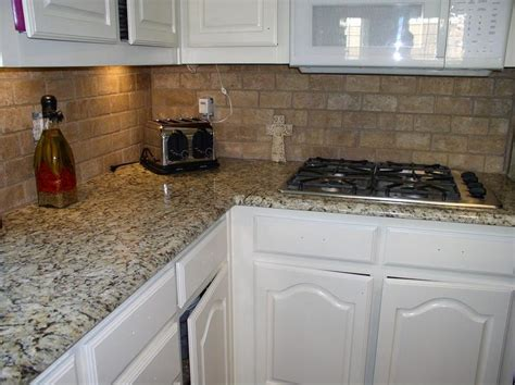 Venetian Gold Backsplash : Best 25+ Venetian Gold Granite Ideas On Pinterest