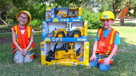 toy truck   children toy bruder buldozer tractor backhoe excavator  front loader