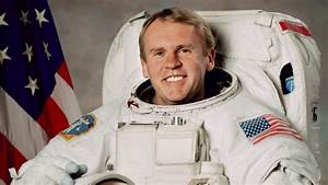 World Science Festival: Australian astronaut tips a bucket ...
