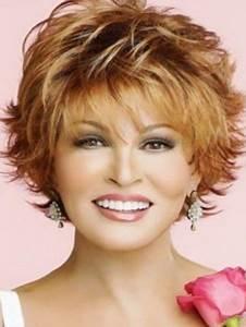 Coupe De Cheveux Pour Visage Rond Femme 50 Ans : coiffure cheveux court pour femme de 50 ans ~ Melissatoandfro.com Idées de Décoration