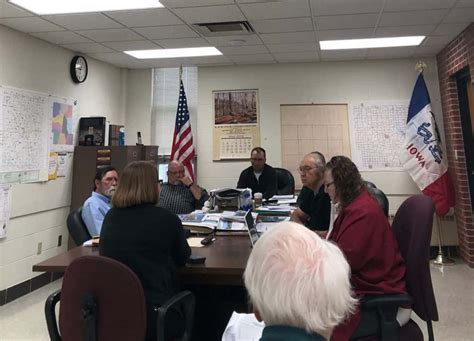 Guthrie County Supervisors Discuss Payroll Changes For