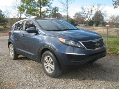 Kia Sportage Transmission by Sell Used 2011 Kia Sportage Sport Utility 6 Speed Manual