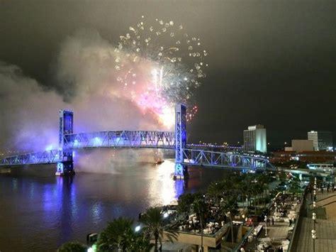 Jacksonville Boat Parade 2017 by Jacksonville Light Boat Parade Fireworks Spectacular