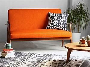 La touche orange en decoration mooviin for Tapis chambre bébé avec canapé velours orange