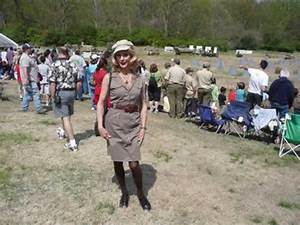 Sharon DeWitt Visits WWII Reenactment