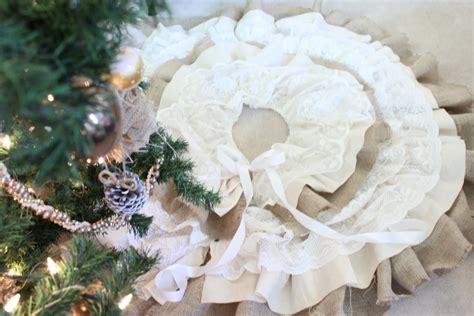 do it yourself divas diy burlap and lace christmas tree skirt