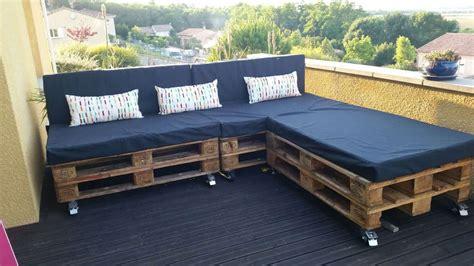 canape en palette a garden pallet sofa 1001 pallets