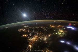 Elusive Red Sprite Seen From the Space Station | Lights in ...