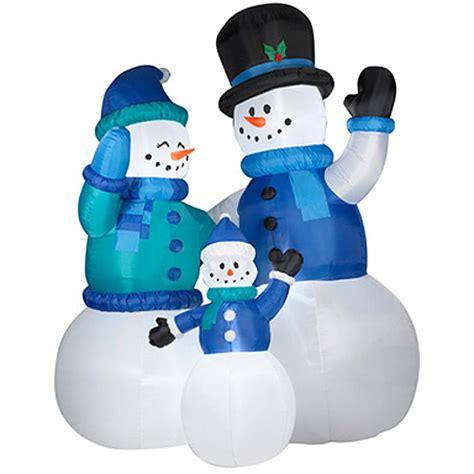 yard blowups goldensnowball - Christmas Blowups