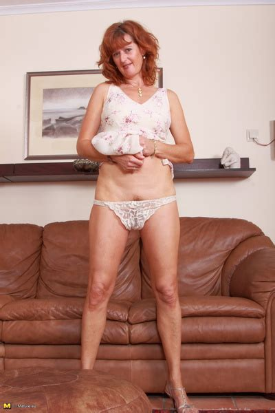 Hot Red mature playing with herself