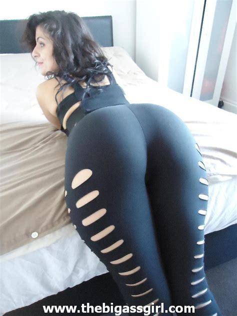Big Ass White Girls Yoga Pants