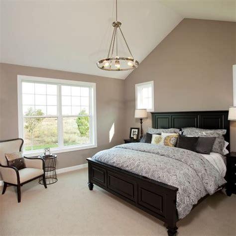 universal khaki paint bedroom design ideas pictures