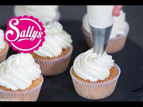 topping for cupcakes cupcakes topping frosting mascarpone sahnecreme frischk 228 se sahnecreme cake basics youtube